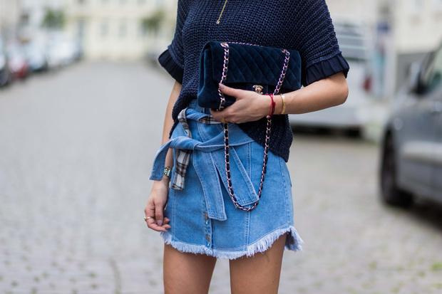 Фото №1 - Вот это ножки: 20 стильных мини-юбок до 3000 рублей