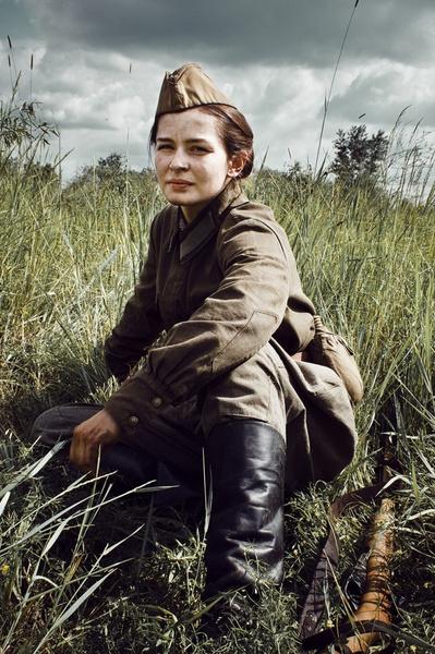 Фото №2 - Cовременные актеры, сыгравшие в знаковых фильмах о Великой Отечественной войне