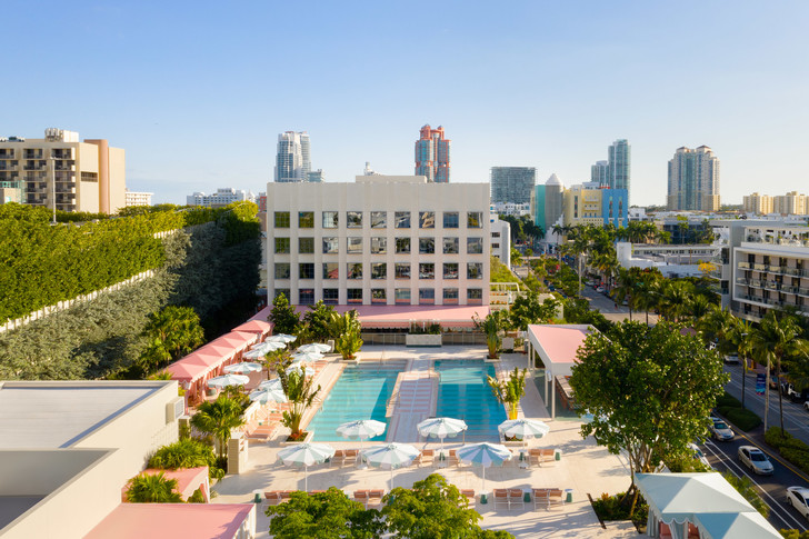 Фото №2 - The Goodtime Hotel: атмосферный отель в Майами по дизайну Кена Фалка