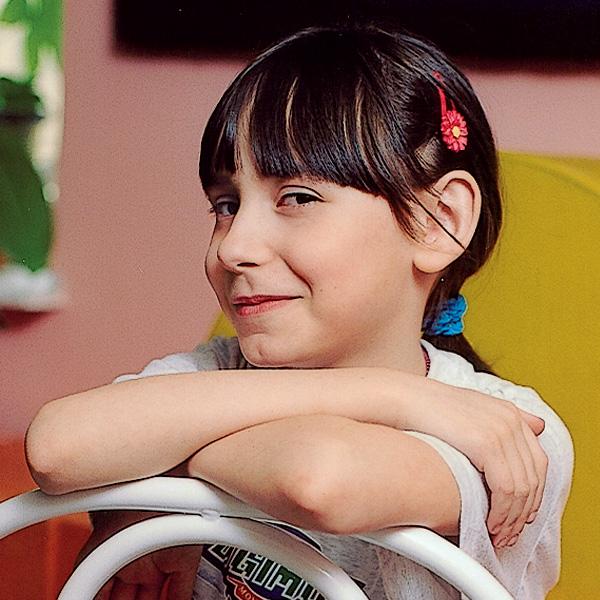 Марика. 9 лет «Это ребенок, которого не ругают. У него большой дом или квартира, и ему можно есть много сладкого».