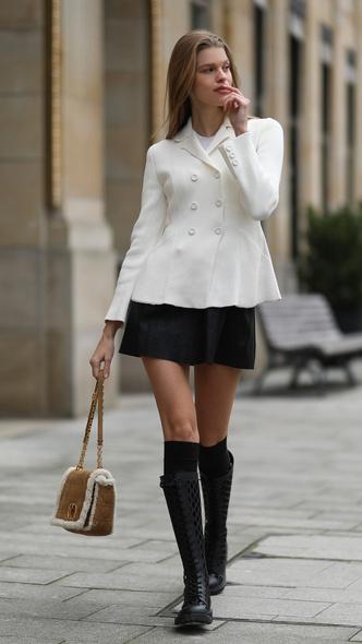 Фото №4 - Самые модные юбки на осень, которые не стыдно носить в школу