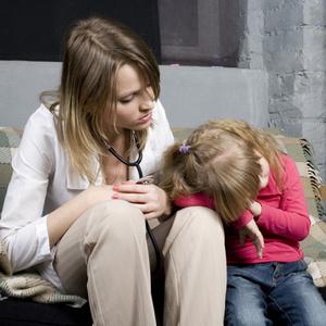 Фото №1 - «Мама, мне плохо!»: как отличить пищевое отравление от психосоматики