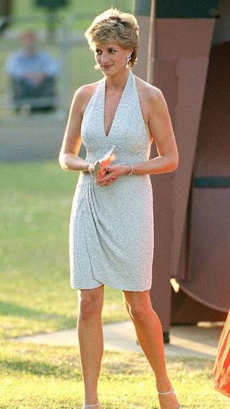 Фото №12 - 10 платьев принцессы Дианы, которые вошли в историю моды и изменили ее