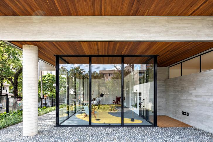 Фото №1 - Яркий интерьер жилого дома в Бразилии