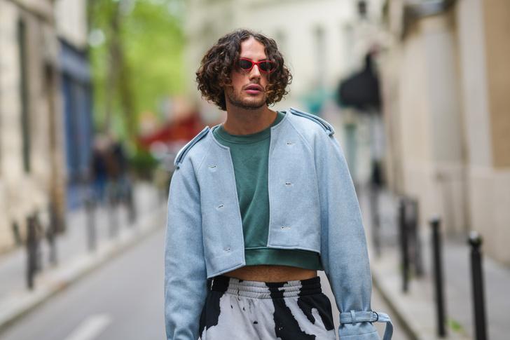 Фото №6 - Кроп-топ, прокладки, чулки: как созданные для мужчин вещи стали носить только женщины