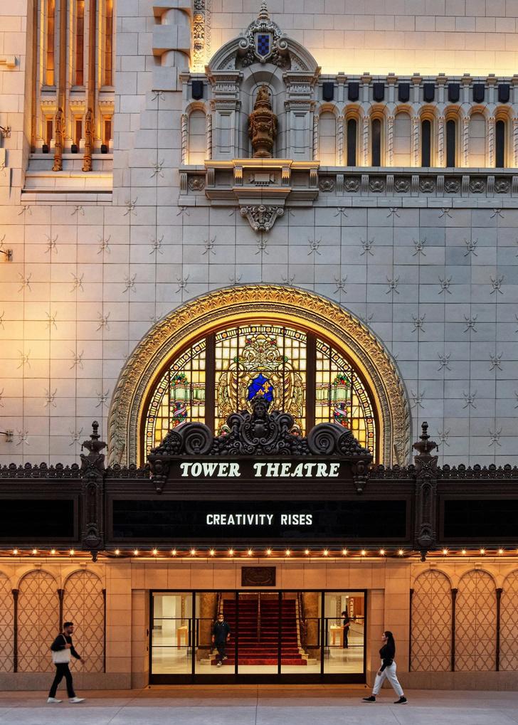 Фото №2 - Бутик Apple в историческом кинотеатре в Лос-Анжелесе