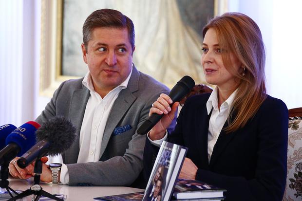 Фото №2 - Не прошло и года: Наталья Поклонская призналась, что рада быстрому разводу с Иваном Соловьевым