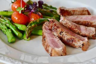 Фото №7 - Ниже холестерин и риск рака: 7 овощей, которые становятся полезнее после приготовления