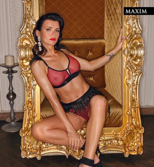 Фото №12 - Победная фотосессия «Мисс MAXIM 2020» Октябрины Максимовой и еще 9 финалисток конкурса