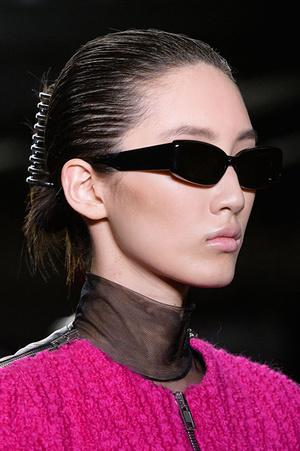 Фото №5 - Крабы для волос: как их носить сейчас (и где купить самые модные)