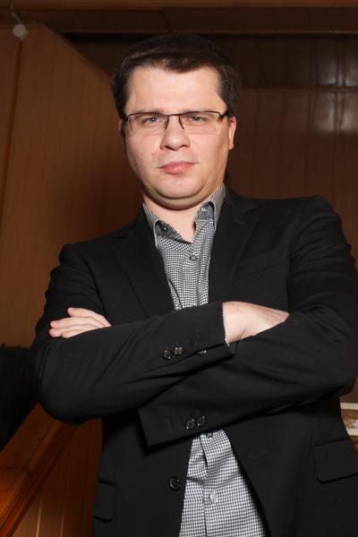 Фото №1 - «Людовик Ставропольский»: Харламов высмеял гаишника с золотым унитазом