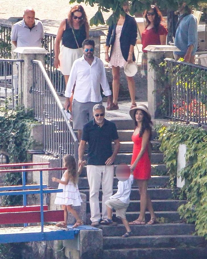 Фото №3 - Идеальная семья: Амаль и Джордж Клуни отдыхают с детьми в Италии