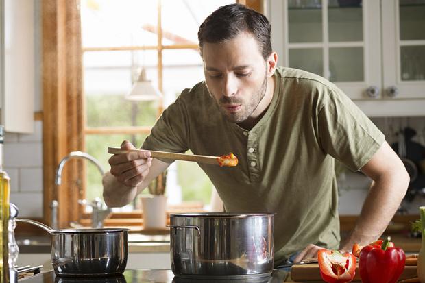 Фото №3 - Что значит, если мужчина вдруг полюбил готовить