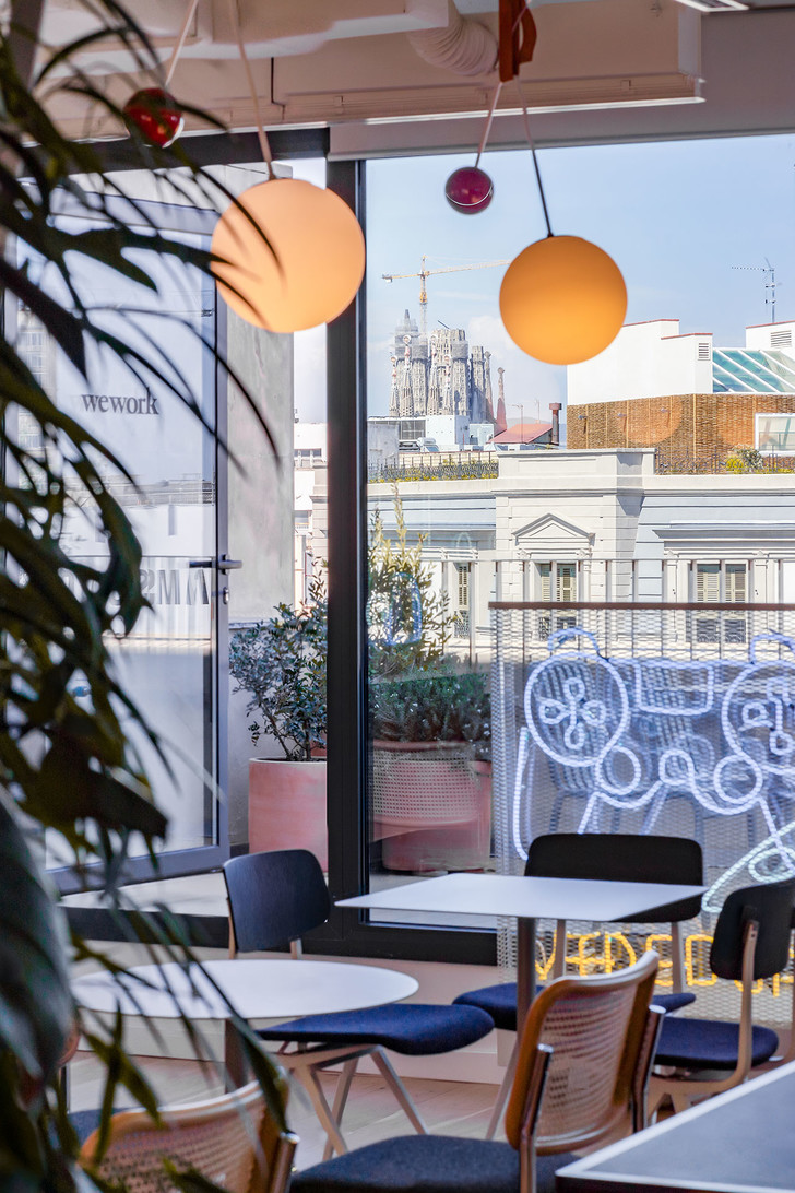 Фото №9 - Яркий офис Xcelirate в Барселоне