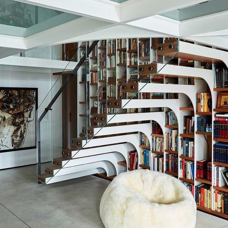 Фото №7 - Вопросы читателей: чем украсить лестницу