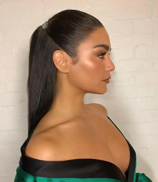 Фото №1 - 10 вариантов укладок для прямых волос