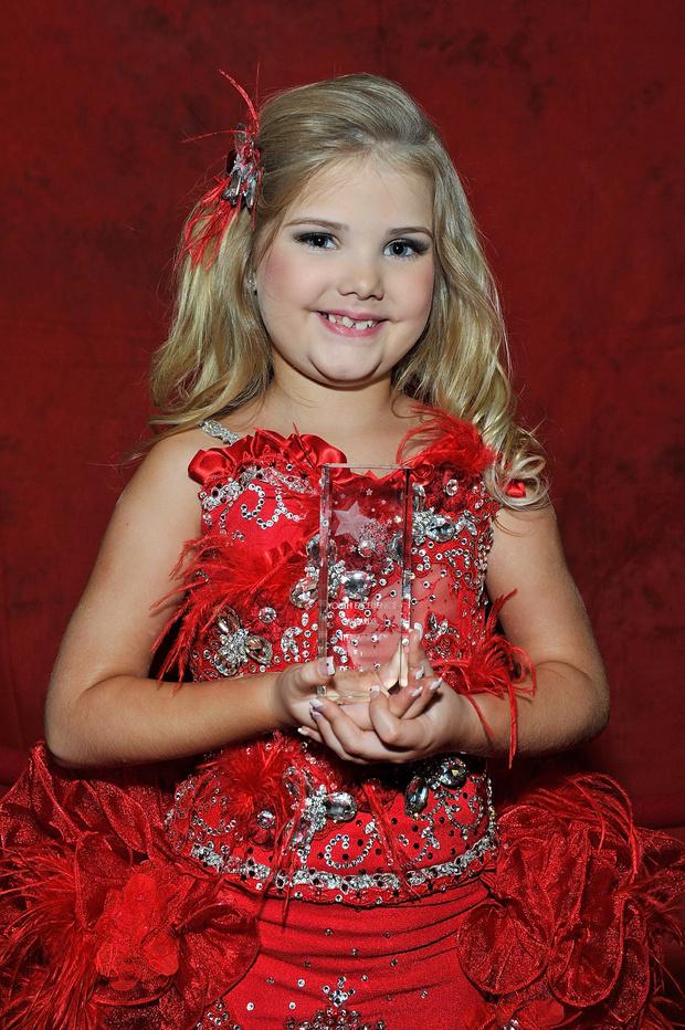 Фото №5 - Как сложилась жизнь девочки, выигравшей 300 детских конкурсов красоты