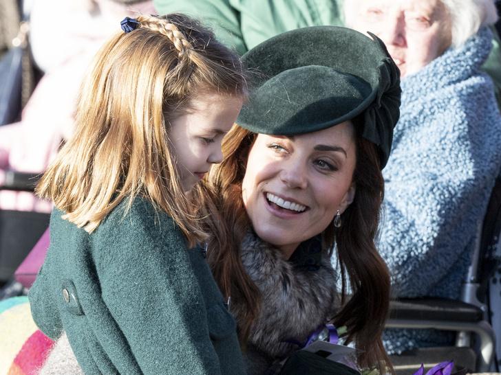 Фото №2 - Главное, чему герцогиня Кейт учит Джорджа, Шарлотту и Луи Кембриджских