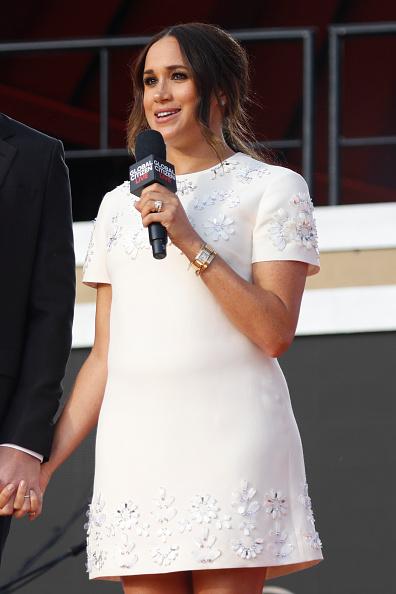 Фото №5 - Меган Маркл в ультракоротком платье продемонстрировала идеальные подтянутые ноги