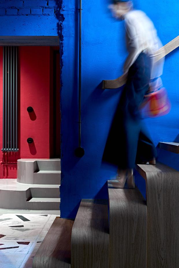Фото №4 - Электрический ультрамарин: загородный дом для ценителя искусства