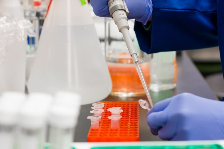 Денис Проценко объяснил, когда нужно измерять антитела к коронавирусу