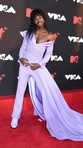 Фото №4 - Премия MTV VMA 2021: лучшие, худшие и самые яркие образы церемонии