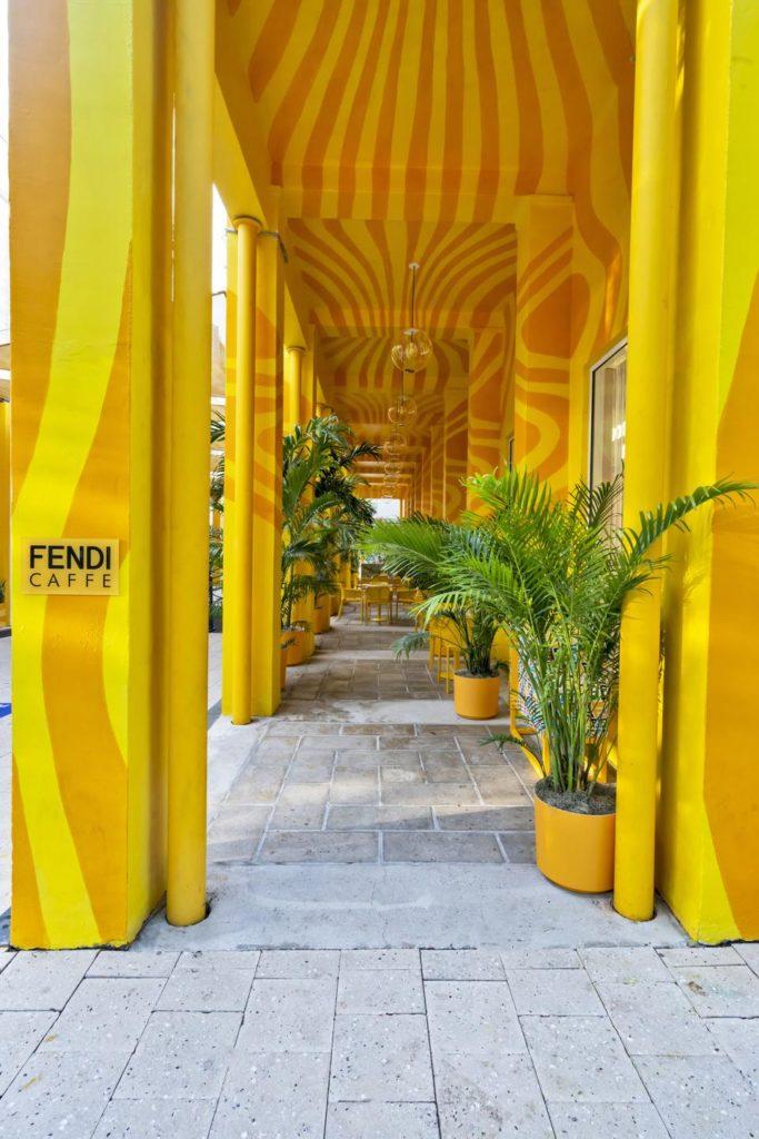 Фото №2 - Pop-up пространство Fendi Caffè в Майами