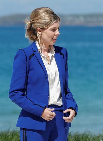 Фото №5 - Дебют Кэрри Симондс: лучшие образы новой Первой леди Британии на саммите G7