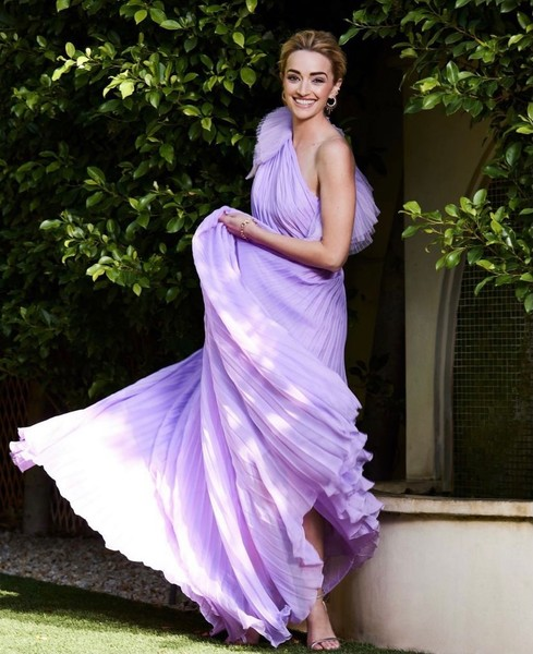 Фото №1 - Сиреневое платье на выпускной как у Брианны Хоуи из сериала «Джинни и Джорджия»