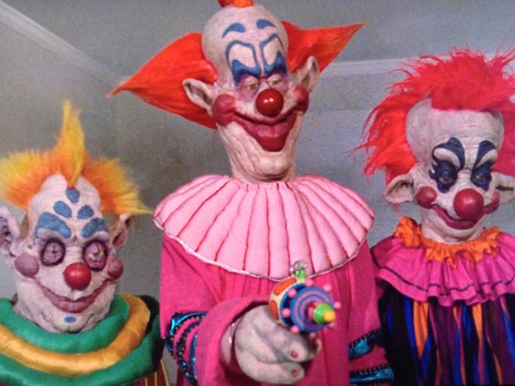 Фото №9 - Жуткое веселье: 10 самых криповых хорроров про цирк 🎪