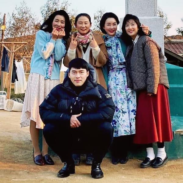 Фото №2 - Сценаристка дорамы «Любовное приземление» раскрыла секрет реалистичного изображения Северной Кореи 😲
