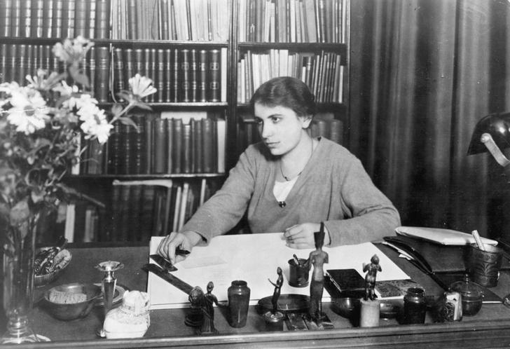 Фото №4 - Анна на шее: как психологические эксперименты Зигмунда Фрейда над младшей дочерью нанесли непоправимый вред ее психике