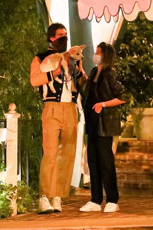 Фото №5 - Столик на троих: Кайя Гербер, Джейкоб Элорди и очаровательный Майло на романтическом свидании