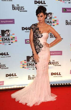 Фото №5 - Премия MTV EMA: лучшие звездные образы за всю историю