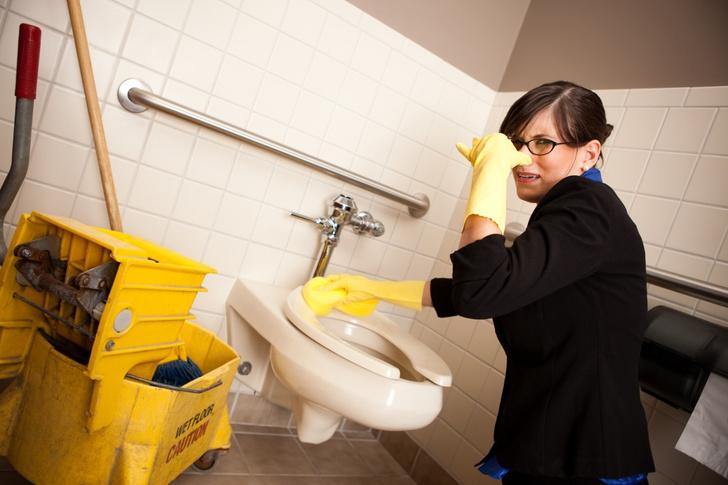 Фото №1 - Как прочистить засор в унитазе: отвечают пользовательницы Woman.ru