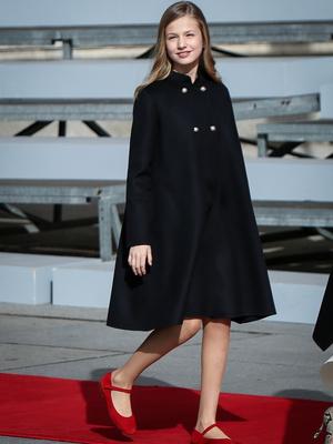 Фото №2 - Из-за чего будущей королеве Испании придется покинуть страну (спойлер— это временно)