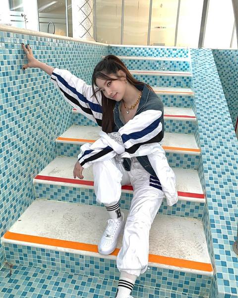 Фото №7 - 7 классных летних причесок для длинных волос: показывает Дахён из Twice✨