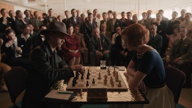Фото №3 - Шах и мат: почему «Ход королевы»— самый стильный сериал 2020 года