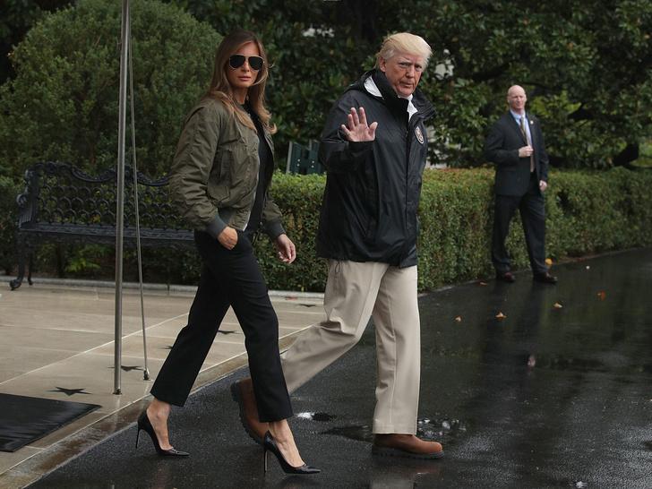 Фото №4 - Миссис эпатаж: самые скандальные образы Мелании Трамп в роли Первой леди