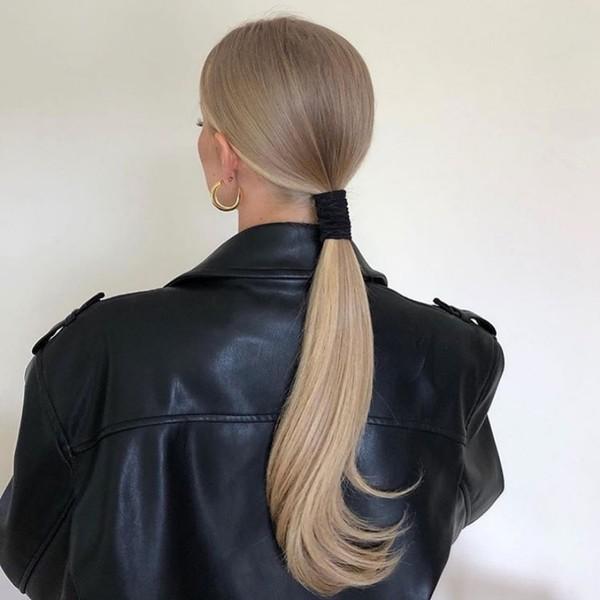 Фото №15 - Бьюти-гид: какие стрижки, укладки и оттенки волос будут в тренде зимой 2021