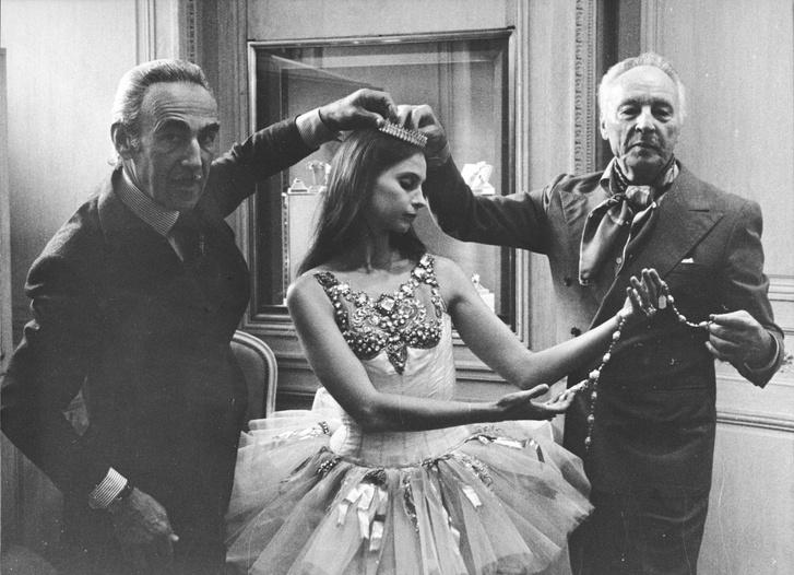 Фото №2 - Драгоценное па-де-де: украшения Van Cleef & Arpels, вдохновленные миром танца