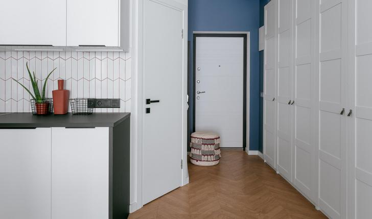 Фото №12 - Яркая квартира 30 м² для молодой пары, работающей из дома
