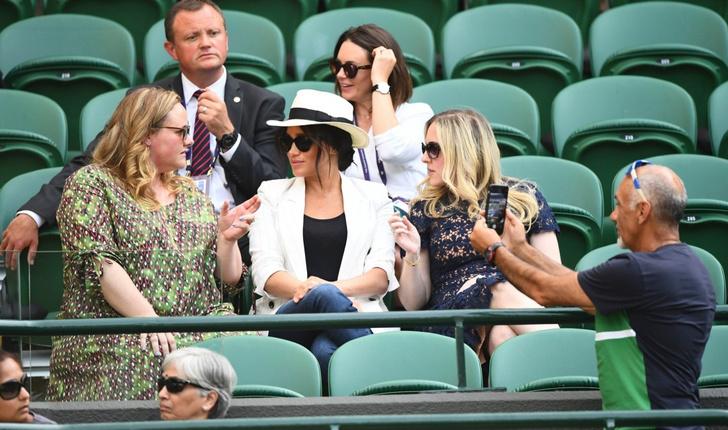Фото №1 - Замашки рок-звезды: Меган Маркл требовала, чтобы ее не снимали посетители Уимблдона