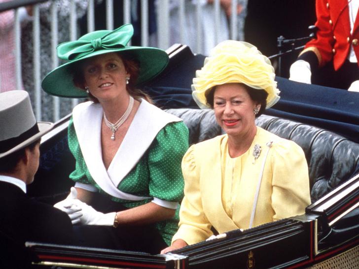Фото №32 - Одним цветом: как королевские особы носят монохромные образы— 30 вдохновляющих примеров