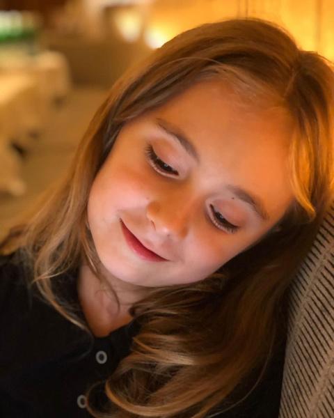 Фото №1 - Причудливая генетика: дочка Анны Михалковой растет копией знаменитой тети