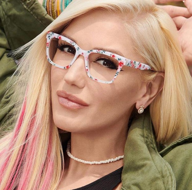 Фото №2 - Набрать очки: вечно юная Гвен Стефани представила новую коллекцию оправ