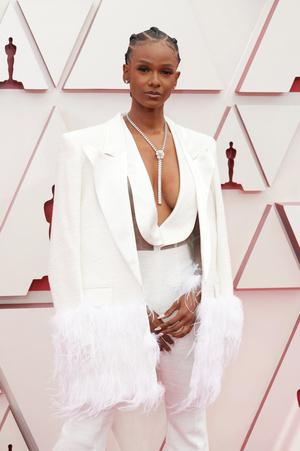 Фото №27 - «Оскар-2021»: лучшие образы церемонии награждения