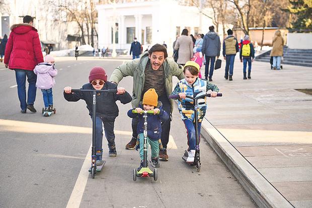 Фото №5 - Михаил Башкатов: «И в мыслях не было становиться многодетным отцом»
