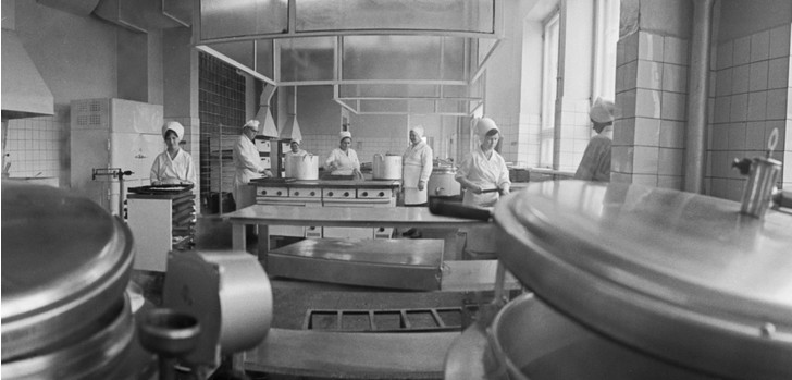 Фото №3 - Ядовитая душа: история школьной посудомойки Иванютиной, которая годами травила людей и была казнена