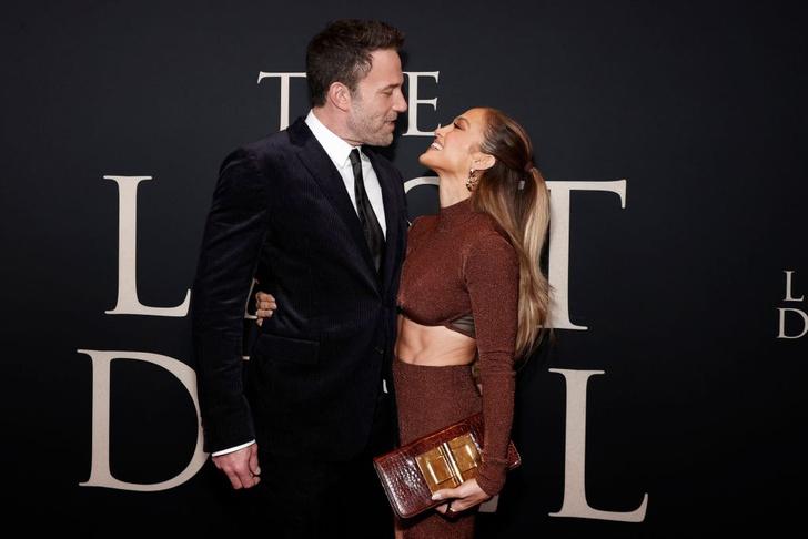 Фото №2 - Любовь, похожая на сон: очень страстный поцелуй Дженнифер Лопес и Бена Аффлека на премьере в Нью-Йорке. И их изумительные осенние образы